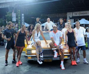 US Open 2015 – Nike envoie Sampras, Agassi, Federer, Nadal, S.Williams, Sharapova… dans les rues de New York pour un street tennis