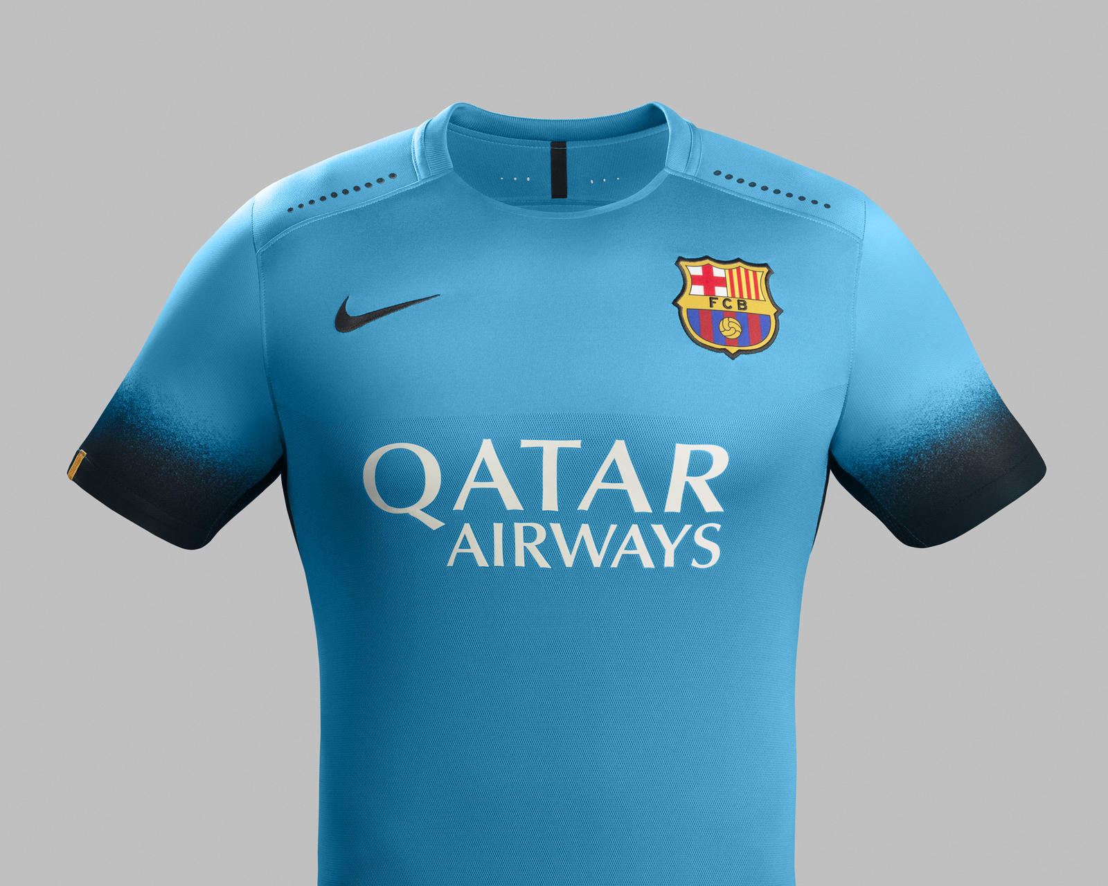 un 3 me maillot bleu lectrique pour le fc barcelone nike. Black Bedroom Furniture Sets. Home Design Ideas