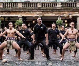 MasterCard lance sa Coupe du Monde de Rugby avec un haka de Jonah Lomu à Covent Garden