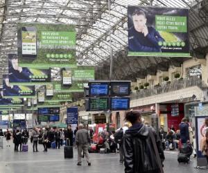 Unibet s'offre une campagne d'affichage de taille avec Pierre Ménès dans les gares et le métro parisien