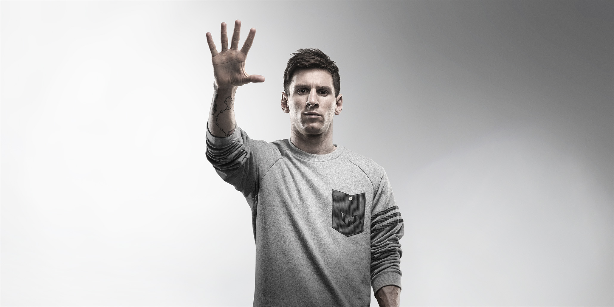 5 ballons d'Or lionel messi adidas football