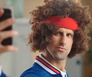 Quand Novak Djokovic imite John McEnroe pour son sponsor ANZ et soutenir une bonne cause