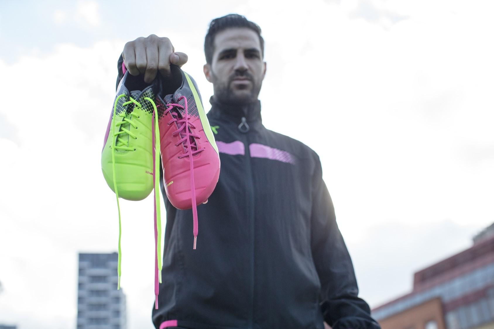 cesc fabregas chaussures jaune rose PUMA Football_Tricks evopower 2016