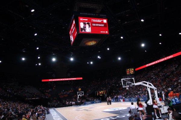 écran géant basket accorhotels arena SFR SPORT