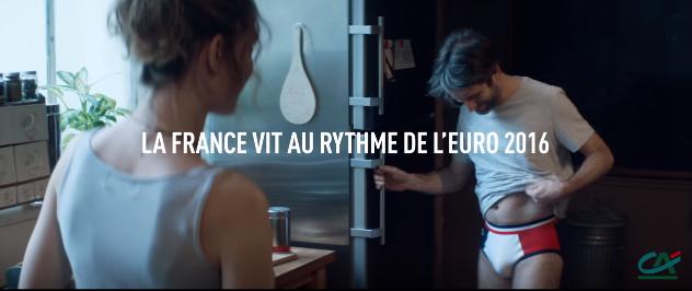 le cr dit agricole d voile sa pub tv pour l 39 euro 2016 avec les joueurs de l 39 equipe de france et. Black Bedroom Furniture Sets. Home Design Ideas