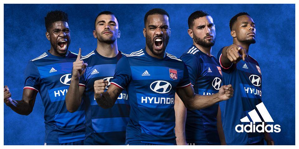 vetement Olympique Lyonnais ÉQUIPE