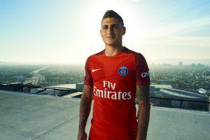 Le PSG et Nike soignent la présentation du nouveau maillot extérieur 2016-2017 depuis Los Angeles