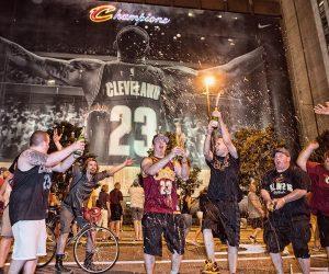 Les Cleveland Cavaliers remportent les Playoffs NBA également sur le terrain des produits dérivés