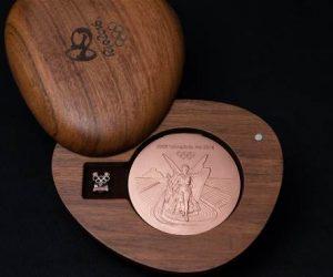 Présentation des médailles d'Or, d'Argent et de Bronze des Jeux Olympiques de Rio 2016