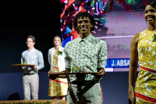 tenue volontaires remises des médailles JO rio 2016