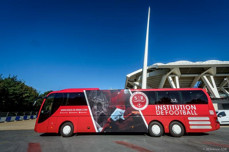 le stade de reims d voile son nouveau bus officiel estim entre 300 000 et 350 000 euros. Black Bedroom Furniture Sets. Home Design Ideas