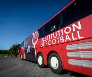 Le Stade de Reims dévoile son nouveau bus officiel «estimé entre 300 000 et 350 000 euros»