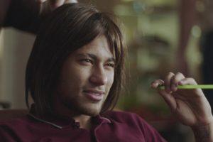 neymar-publicite-gillette-fc-barcelone-perruque-cheveux-longs