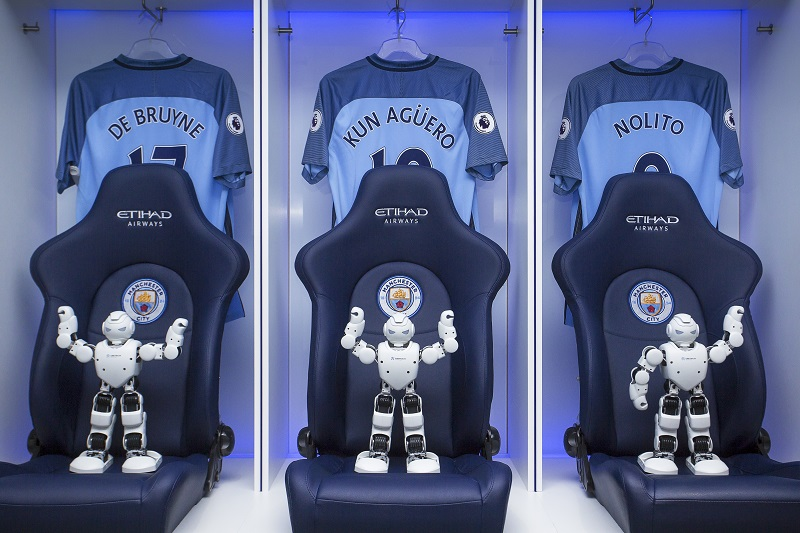 robot-ubtech-manchester-city-football