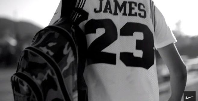 """Nike célèbre la rentrée NBA avec une campagne marketing """"sortie de nulle part"""""""