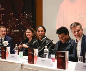 Ronaldinho devient l'ambassadeur de Teqball