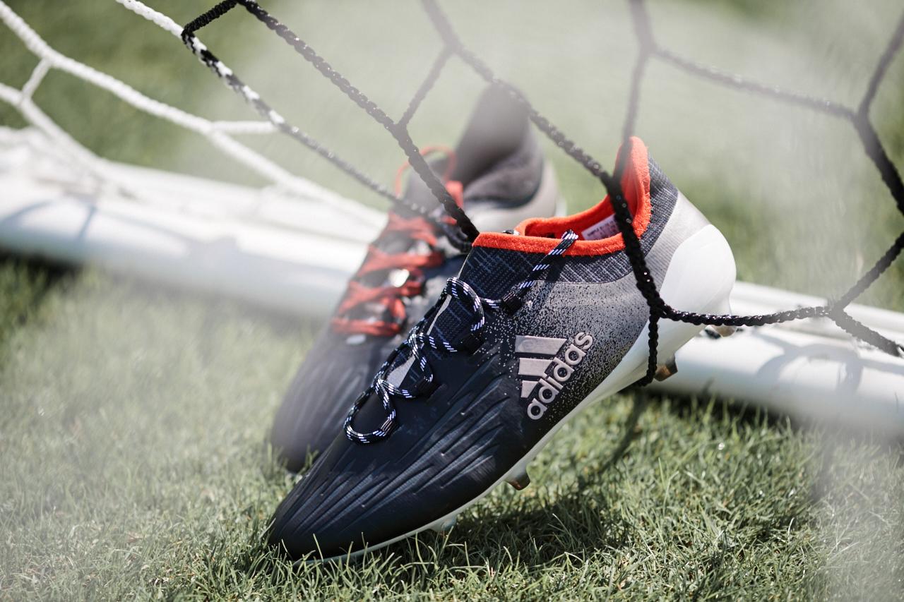 Football adidas se lance dans les crampons 100% féminins