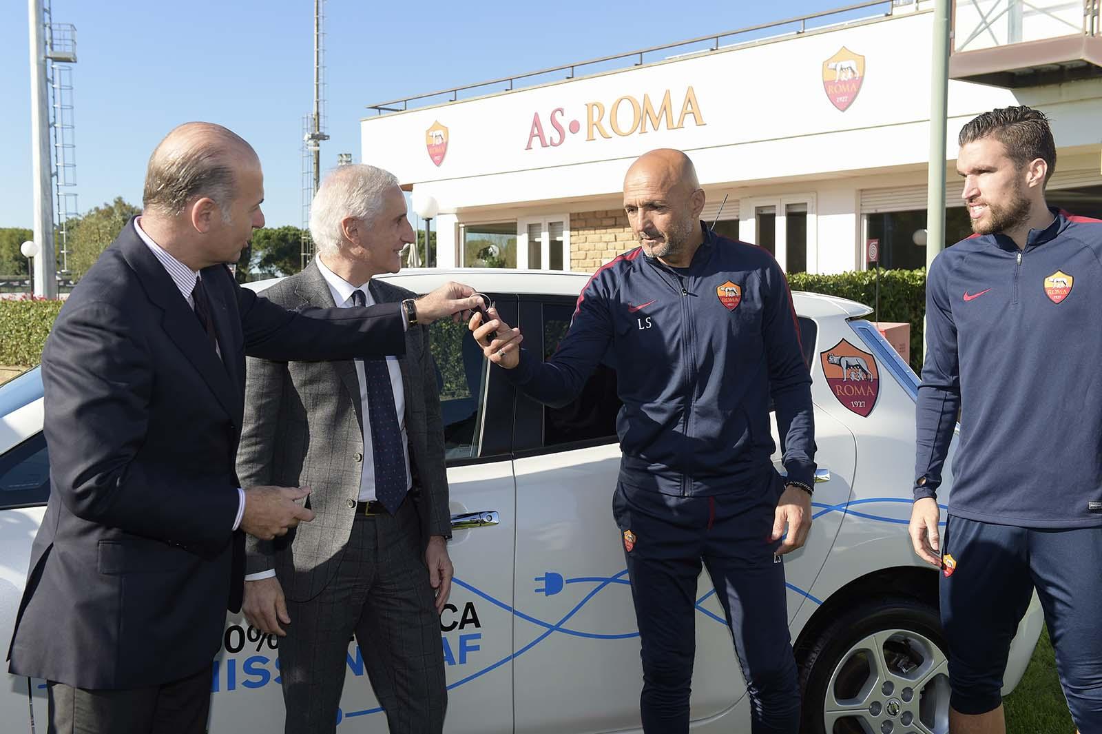 as-roma-nissan-sponsoring-electrique