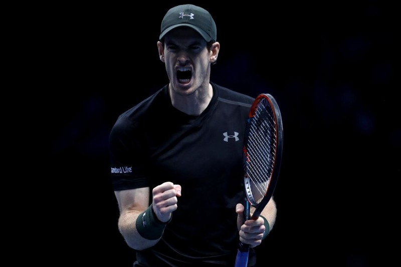 LONDON, ENGLAND - NOVEMBER 19: Andy Murray of Great Britain celebrates scoring a point during his men's singles semi final against Milos Raonic of Canada on day seven of the ATP World Tour Finals at O2 Arena on November 19, 2016 in London, England. (Photo by Julian Finney/Getty Images)