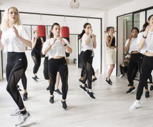 Comment adidas compte séduire les parisiennes en s'installant chez Simone