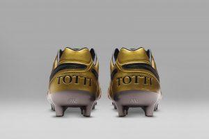 Shopping – La Nike Tiempo Totti X Roma disponible à 2500 exemplaires