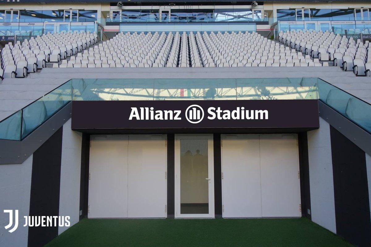 naming le juventus stadium devient l 39 allianz stadium. Black Bedroom Furniture Sets. Home Design Ideas