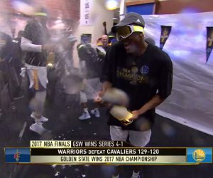 NBA Finals – Les Golden State Warriors arrosent le titre au Moët & Chandon (180 000$ ?)