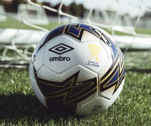 Umbro dévoile le ballon officiel de la Coupe de la Ligue 2017-2018