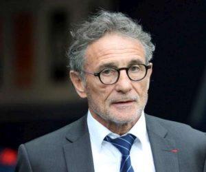 Rugby – L'ex-sélectionneur du XV de France Guy Noves réclamerait entre 2 et 3 millions d'euros