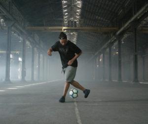 Nike célèbre la carrière de Ronaldinho avec la sortie de la «10R City Collection»