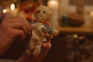 Canal+ pimente le classico PSG-OM avec des poupées vaudou