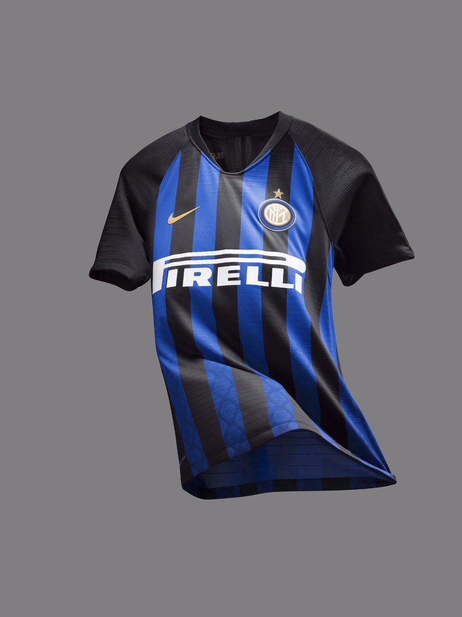 Nouveau maillot domicile Inter 1
