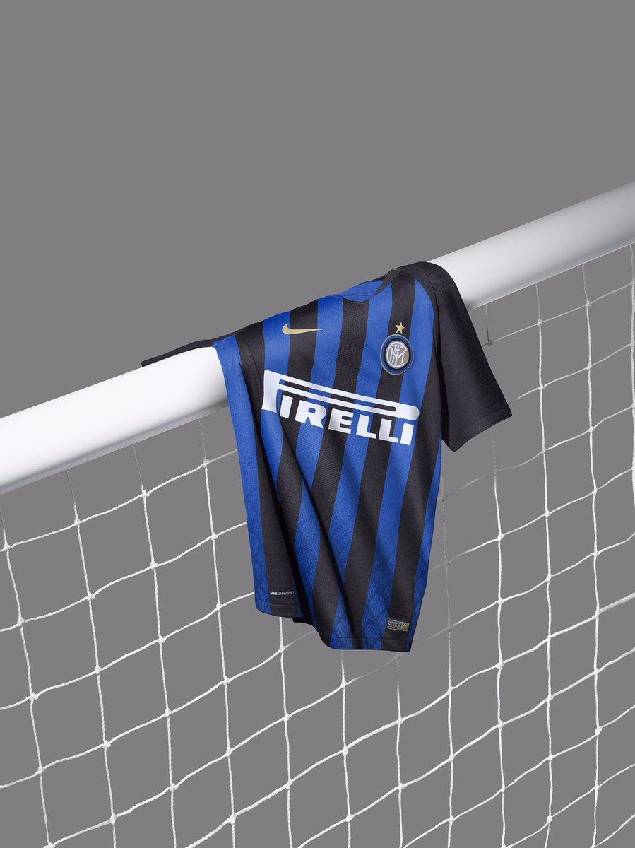 Nouveau maillot domicile Inter 3