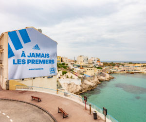 adidas célèbre les 25 ans de la victoire de l'OM en UEFA Champions League avec une affiche «A Jamais les Premiers»
