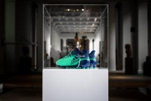 Le British Museum expose les chaussures adidas de Mohamed Salah