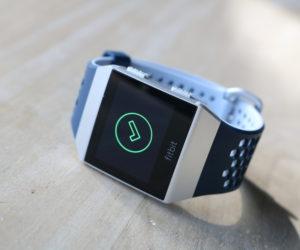 Shopping : 329,95€, le prix de la nouvelle montre connectée Fitbit Ionic édition adidas