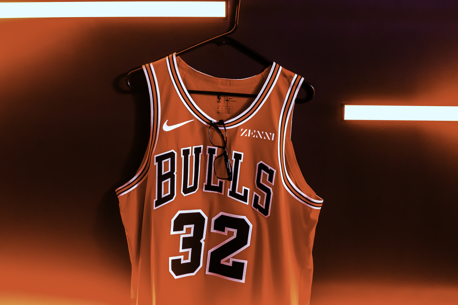 huge selection of eec53 84932 NBA - Zenni Optical sponsor maillot des Chicago Bulls ...