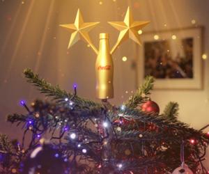 Coca-Cola célèbre le titre de Champion du Monde des Bleus pour Noël avec une décoration 2 étoiles pour le sapin
