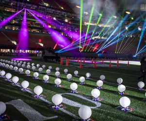 Technologie – Intel fait voler 150 drones pendant le concert de Maroon 5 au Super Bowl