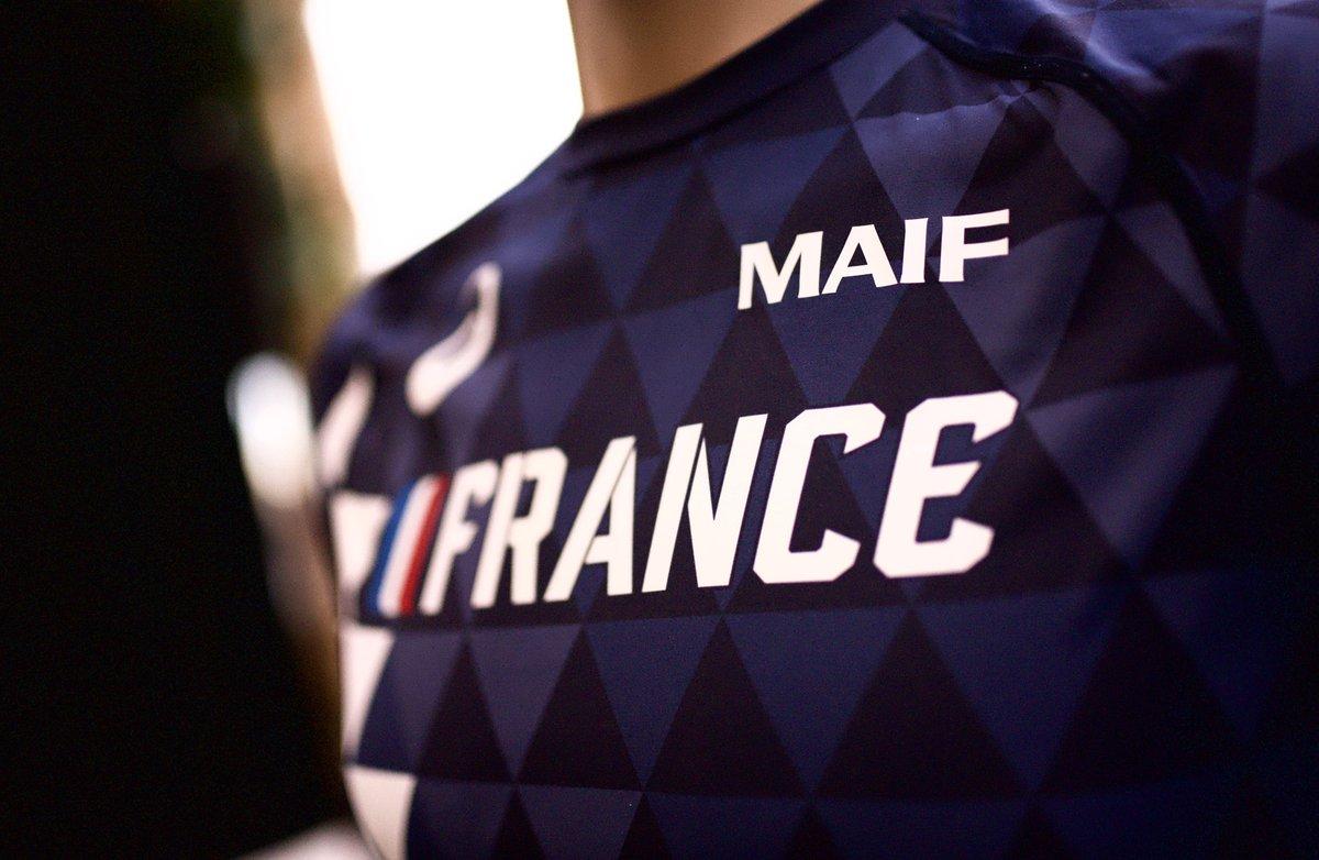 """Résultat de recherche d'images pour """"maillot athlé equipe france"""""""