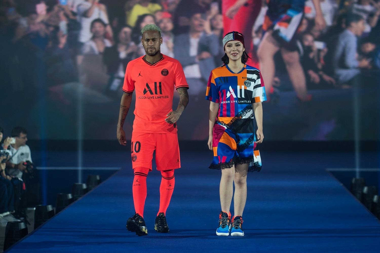 many fashionable los angeles great fit Le nouveau maillot extérieur Jordan du Paris Saint-Germain ...