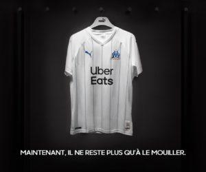 Sponsoring – Uber Eats passe son logo en noir et retire le vert sur le maillot domicile de l'Olympique de Marseille