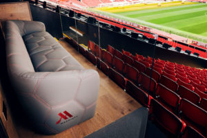 Manchester United – Marriott installe un canapé VIP à Old Trafford avec « Seat Of Dreams »