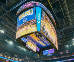 Samsung installe le plus grand scoreboard de la NBA dans la nouvelle salle des Golden State Warriors, le Chase Center