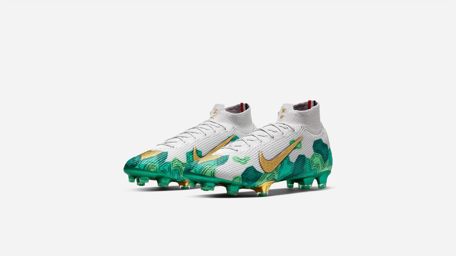 Nike dévoile la première chaussure signature de Kylian Mbappé sur ...