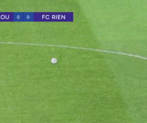 Un match de football entre l'AS Walou et le FC Rien dans la dernière publicité PMU signée Buzzman