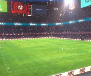 Remplir les tribunes vides avec des fans virtuels grâce à la Réalité Augmentée, c'est possible avec OZ Sports ou The Famous Group