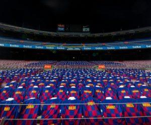 3 000 maillots achetés par les fans du FC Barcelone dans les tribunes du Camp Nou pour le match contre l'Atlético de Madrid