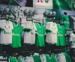 Le Coq Sportif dévoile les nouveaux maillots de l'AS Saint-Etienne (ASSE) pour la saison 2020-2021