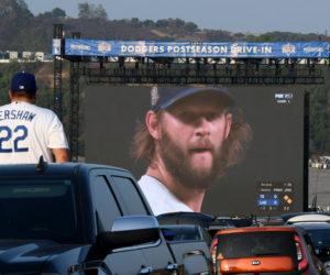 75$, le prix du «Drive-in» proposé par les Los Angeles Dodgers pour suivre les finales MLB depuis sa voiture
